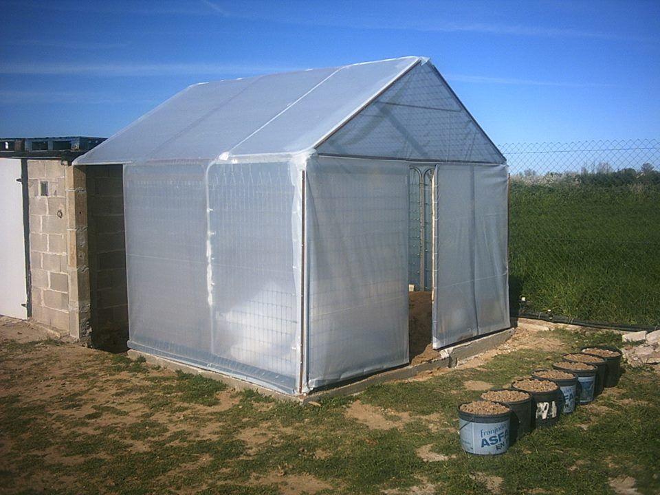 C mo hacer un invernadero casero por menos de 75 euros finca jard n invernadero casero - Invernadero casero terraza ...
