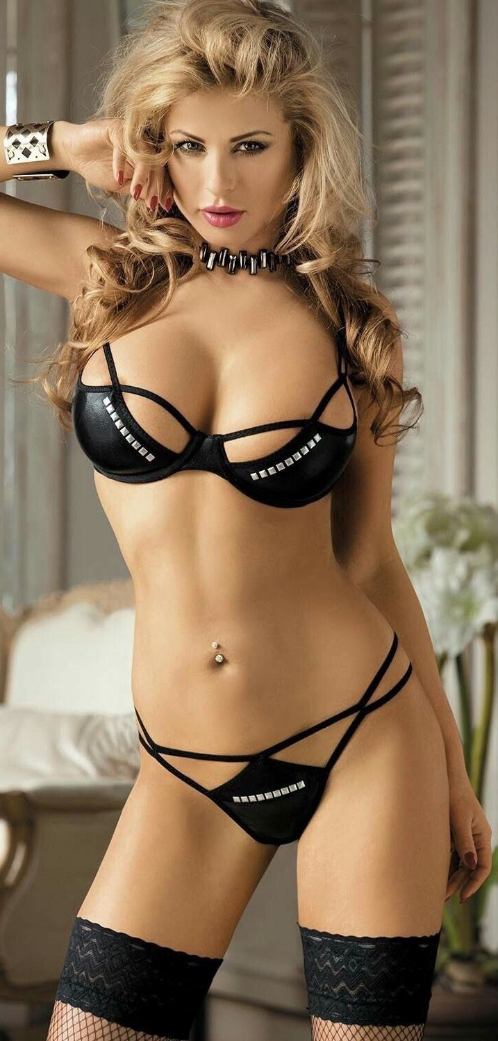 Bra fetish nude