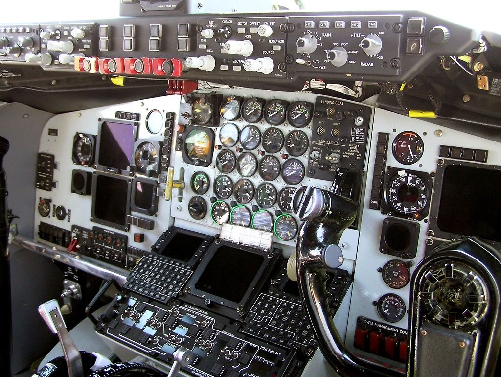 Kc 135r Aircraft Mechanics Flight Deck Cockpit