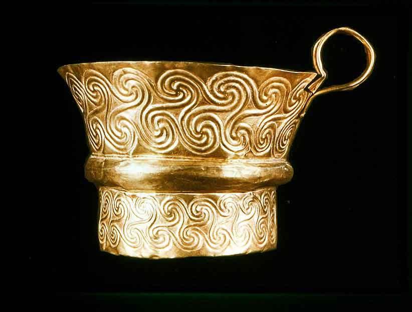 Greek art from Mycene - love the pattern