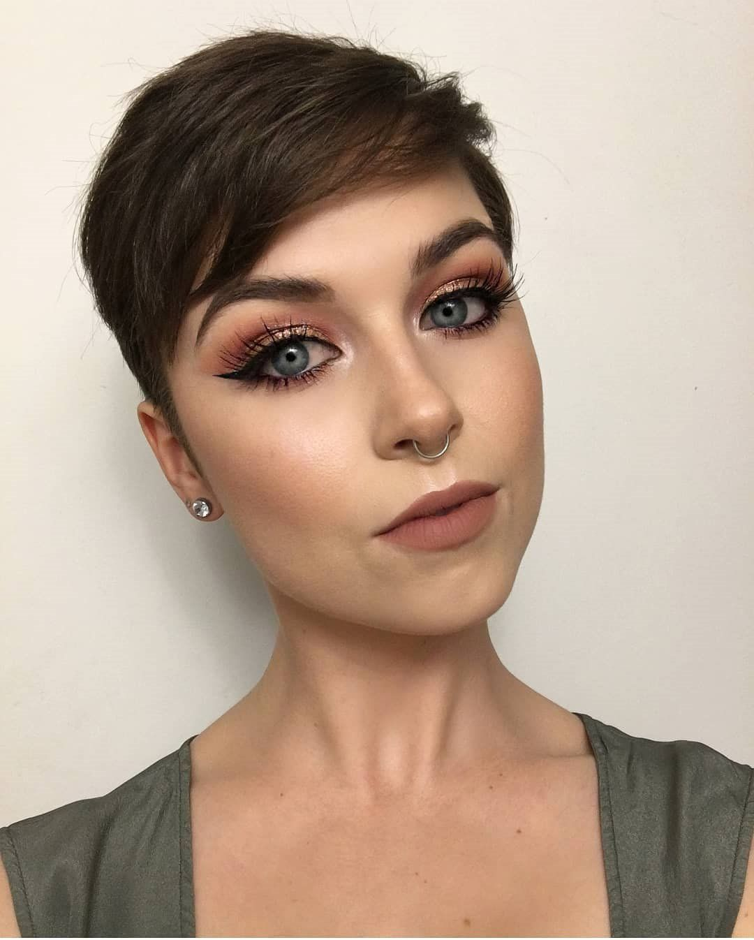 Short Hairstyles for Prom And Stylish 2019 - Styles Art | Short hair styles, Prom hairstyles for ...