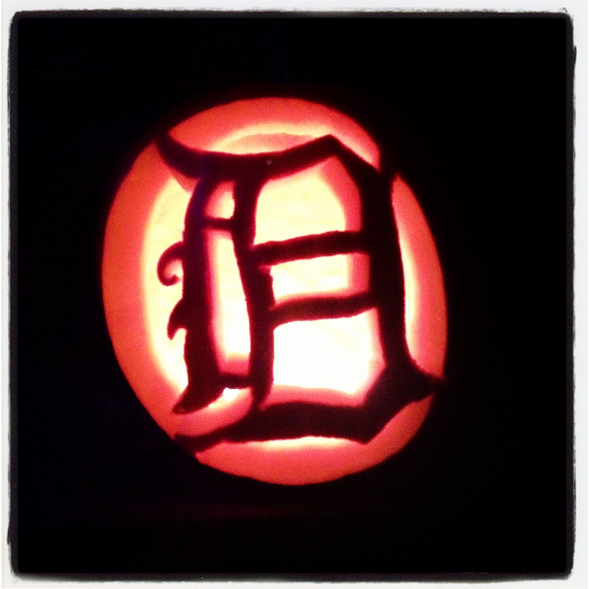 detroit tigers pumpkin i made free hand for my brother! | detroit