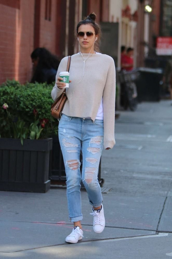 e2953b914b68 Irina Shayk showed off her stylish side during outing with woolen sweater  and blue ripped jeans.
