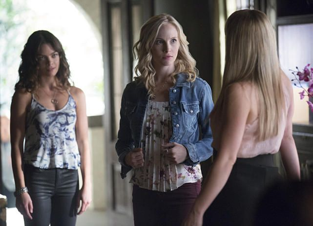 The Vampire Diaries Season 7 Premiere Photos: Surrounded! - The Vampire Diaries Season 7 Episode 1