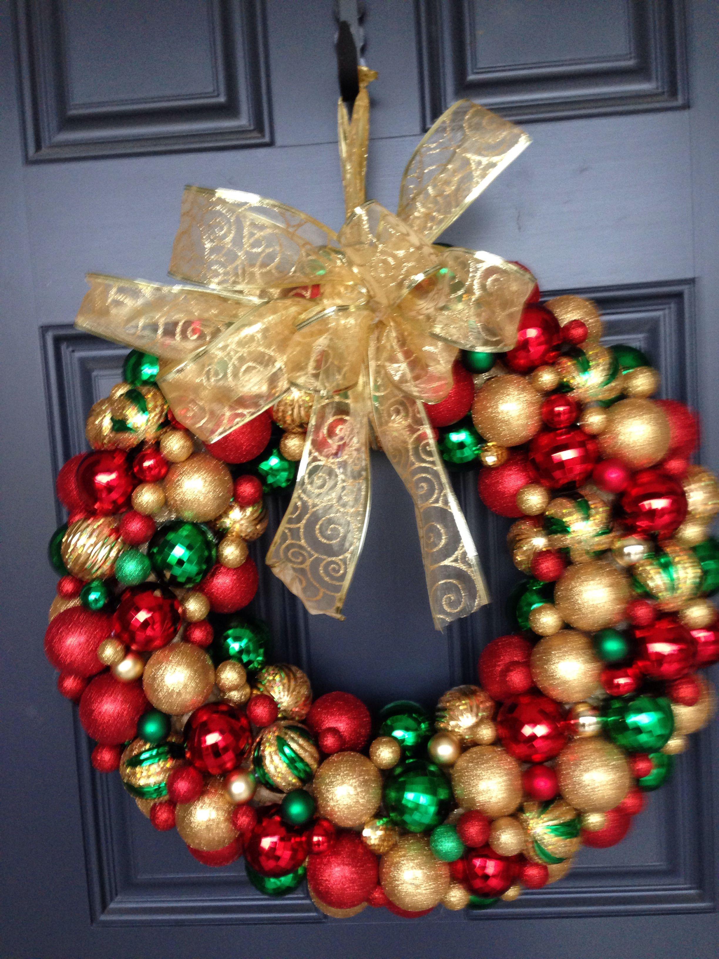 DIY Christmas Ball Wreathmade this myself! Diy