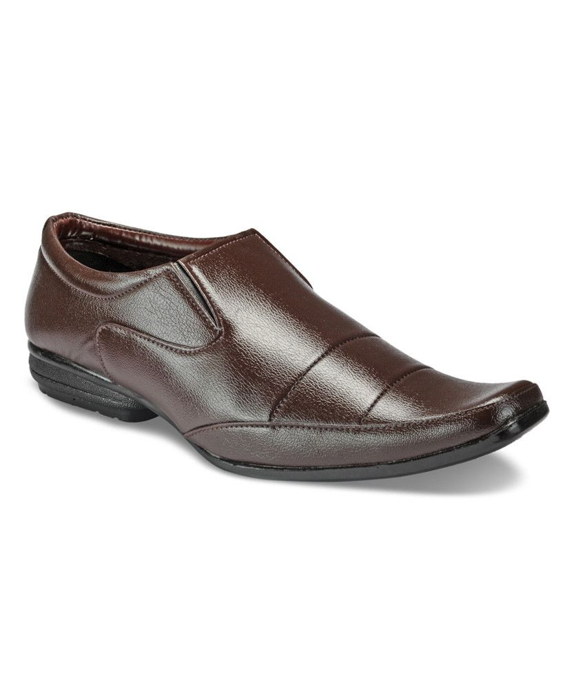 #menswear #mensfashion #mensstyle #styleformen #bespoke #mentrend #gentlemen #shoes #mensshoes #footwear #dressshoes #slipon #shoeswag #brown #classic