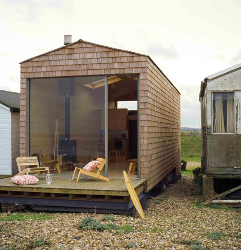 Small Beach Cottage compact waterfront cottage design that is