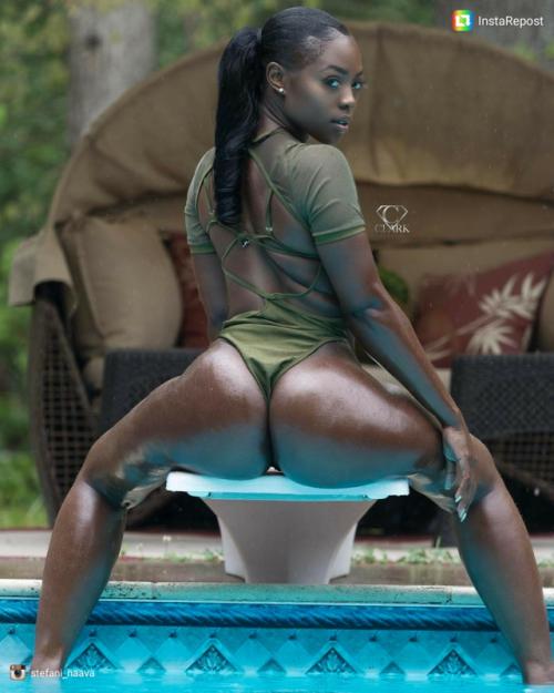 Chocolate Thick Ebony Milf