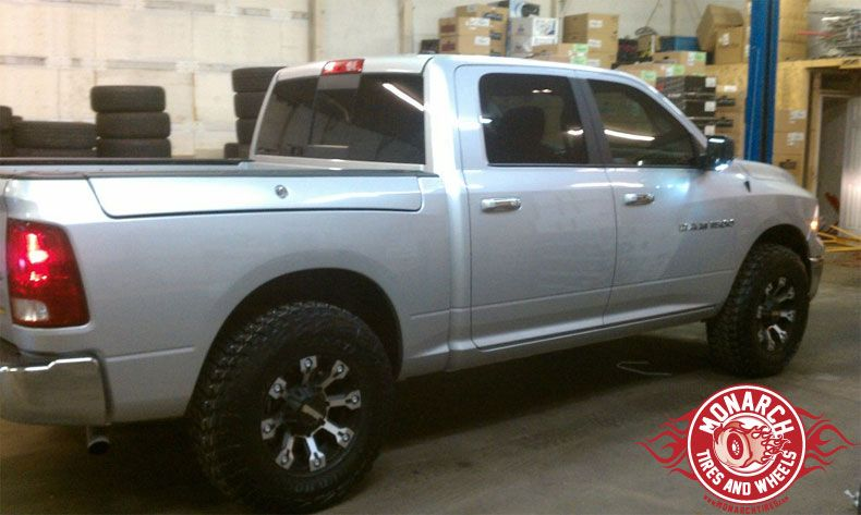 Dodge Ram 1500 Wheels And Tires Packages >> 2012 Dodge Ram 1500 W Leveling Kit Wheel And Tire Package