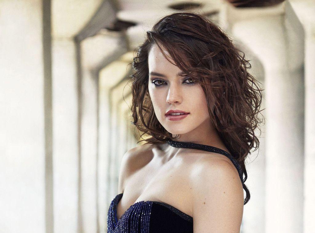 Daisy Ridley Hot English Actress Brunette Wallpaper