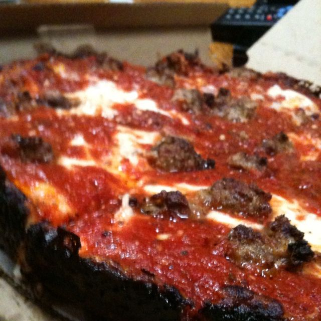 Morton Grove Il Restaurants: The One-of-a-kind Pequod's Pizza And Its Caramelized Crust