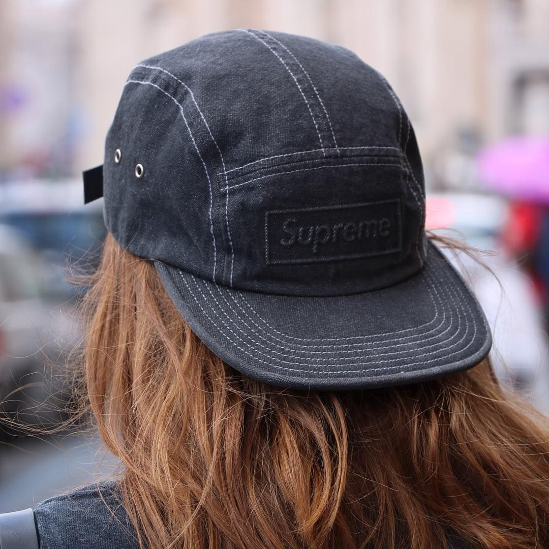 Supreme girls - Supreme Cap (©girlsonmyfeet)  0db766ce909