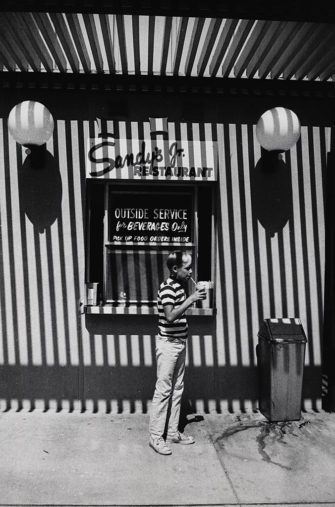 "mpdrolet: "" San Francisco, 1964 Garry Winogrand """