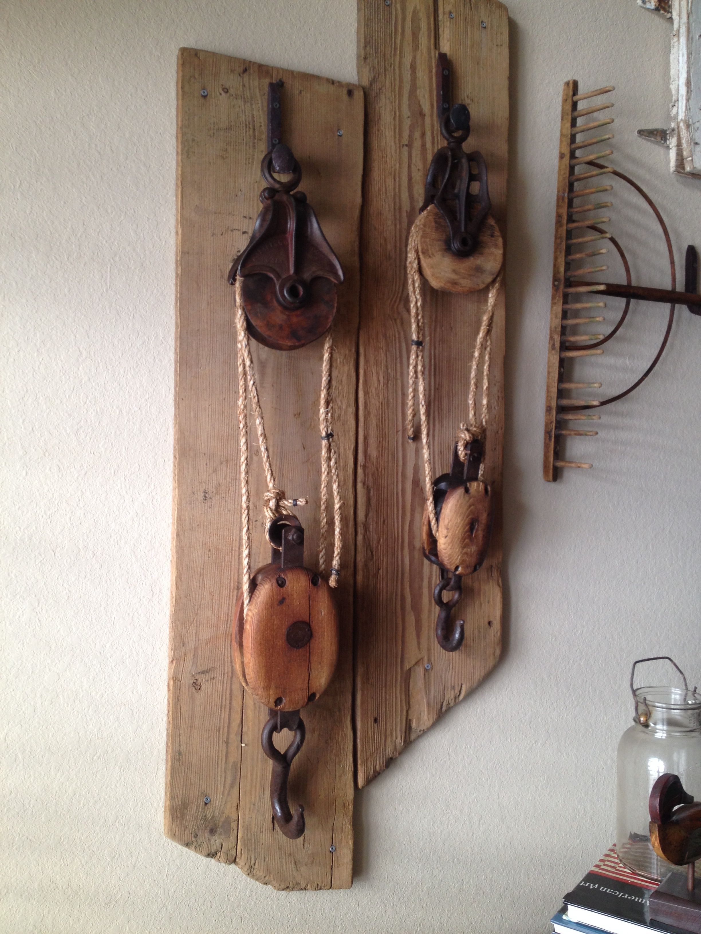 Country Rustic Wood /& Metal Pulley Hooks Wall decor Antique Vintage Farmhouse