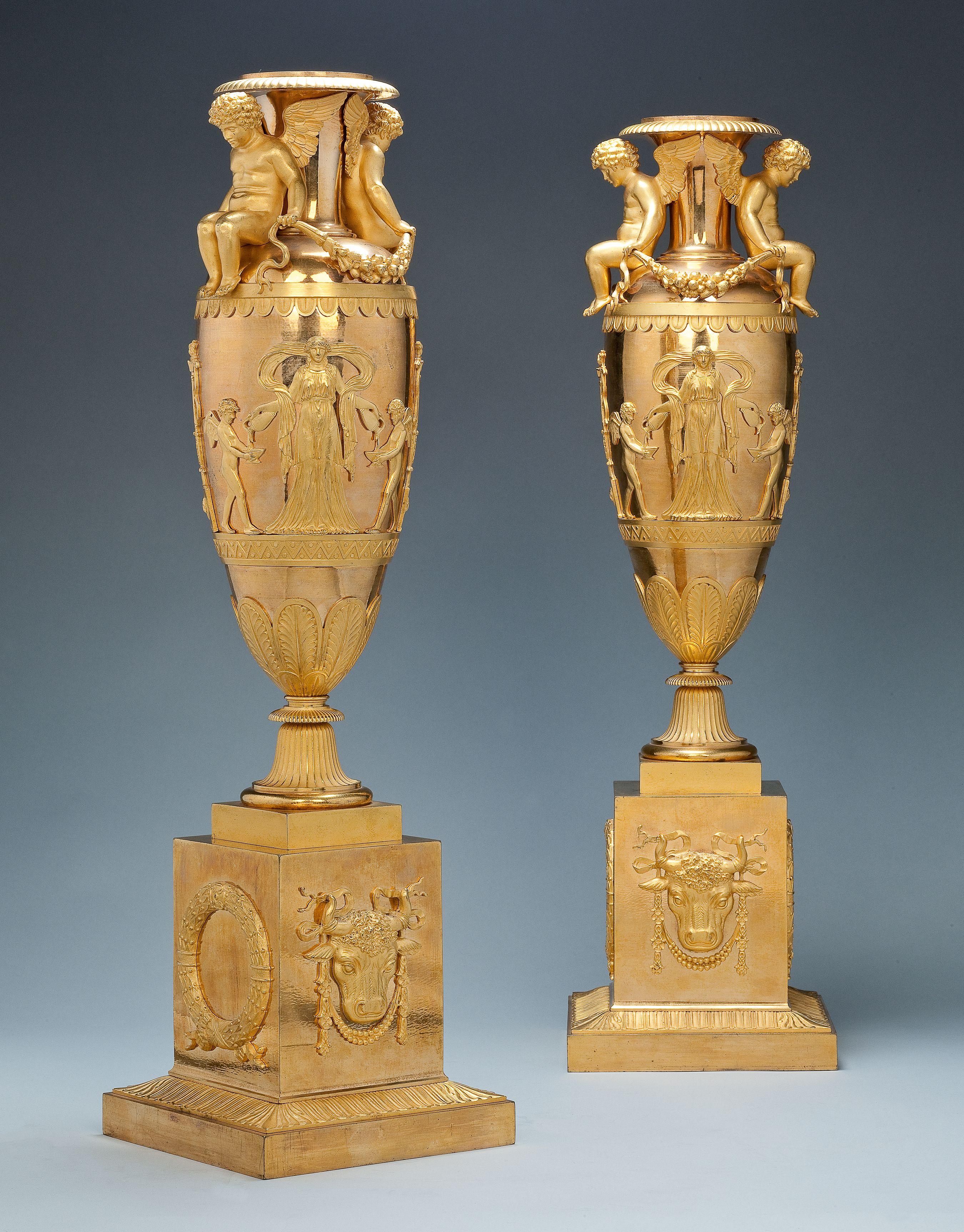 A pair of gilt bronze empire vases urnsvasesflowerpots a pair of gilt bronze empire vases reviewsmspy