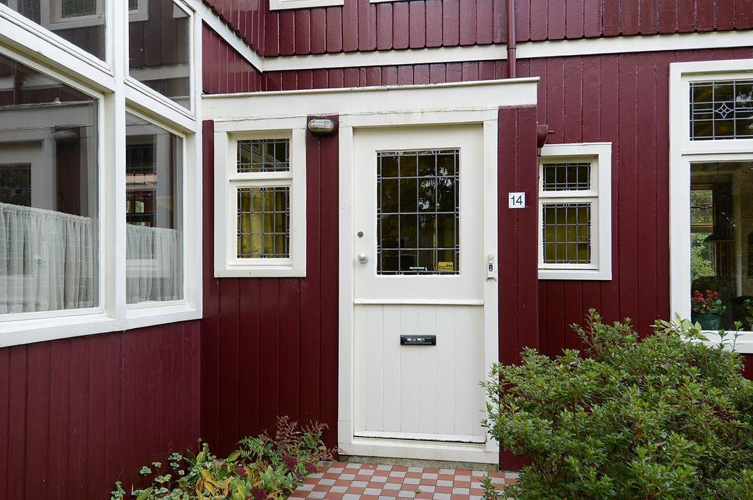 Huis Te Koop J J H Verhulstlaan 14 1401 Ct Bussum Funda Houten Huis Herfstkleuren Buiten