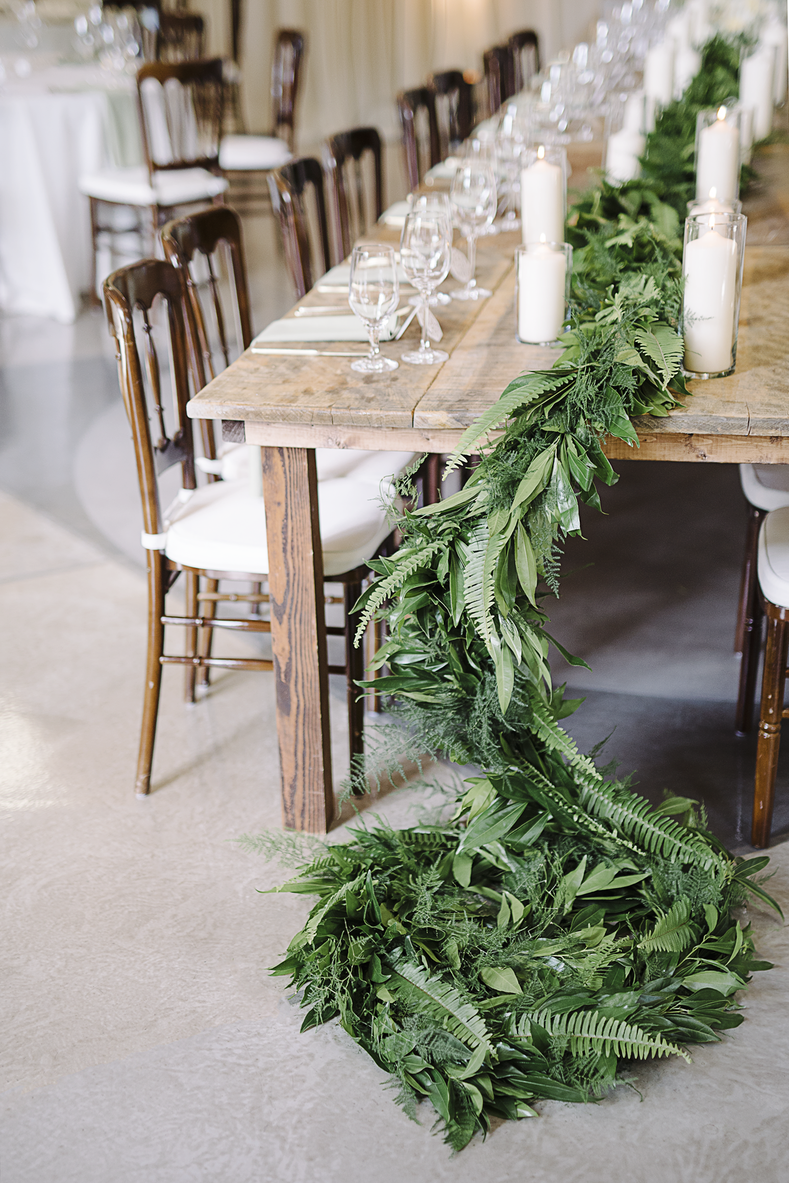 simple table garland with leafy greens