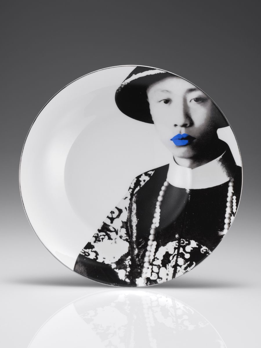 Black Decorative Plates Puyi Black And White Decorative Plateshanghai Tang  On The