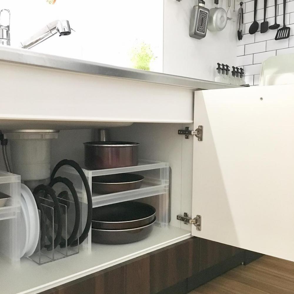 鍋の収納アイデア実例集 おしゃれで便利なキッチンを作る方法をご紹介 Folk コンロ下 収納 収納 アイデア 台所 収納 シンク下
