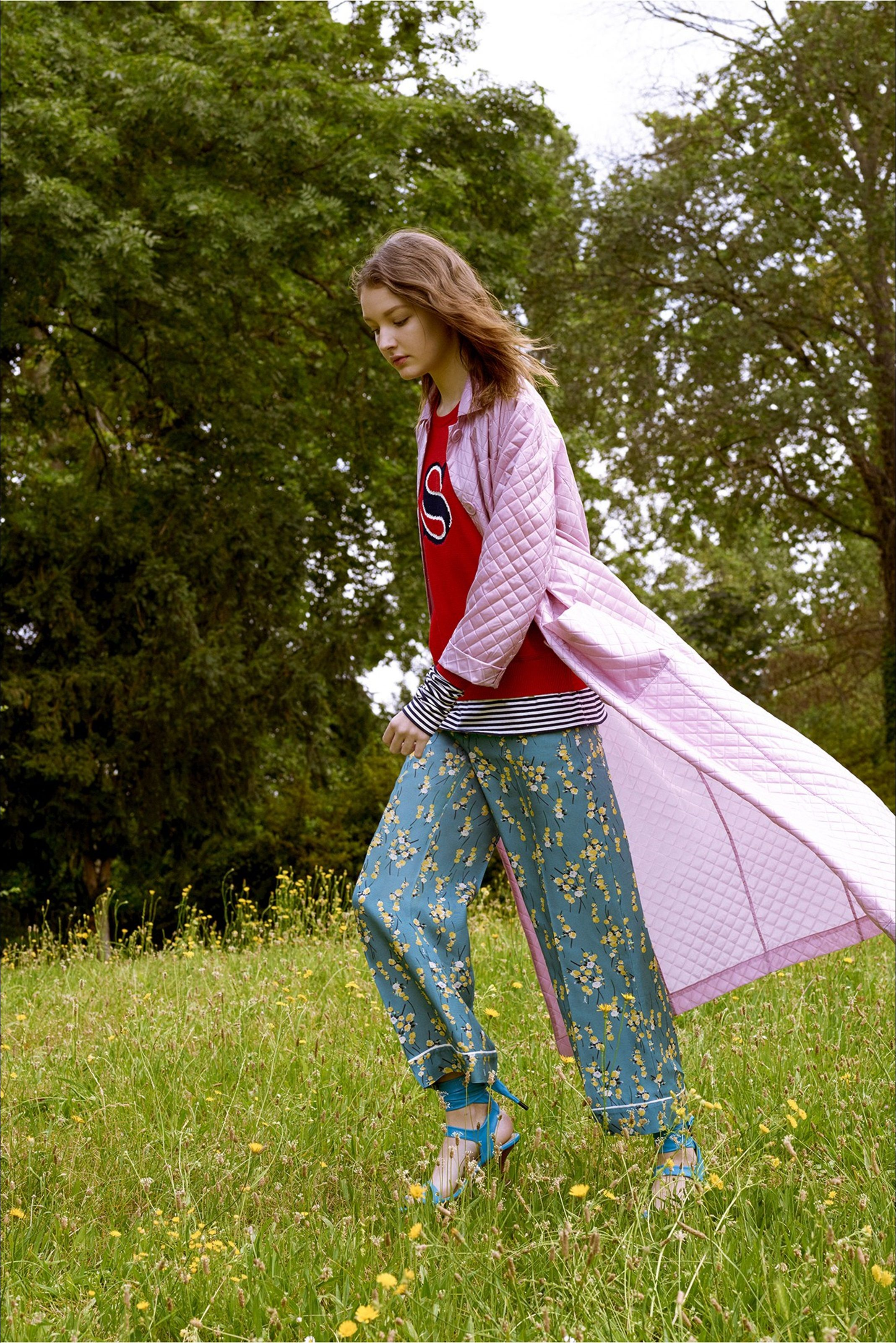 Guarda la sfilata di moda Sonia by Sonia Rykiel a New York e scopri la collezione di abiti e accessori per la stagione Collezioni Primavera Estate 2017.