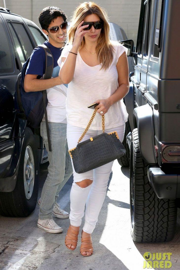 e7e698ff2d33 Kim Kardashian wearing Celine Shadow Ombre Sunglasses Gianvito Rossi Nappa  Strappy Heel in Powder Bottega Veneta Ardoise Cocco Sable Vendome Bag.