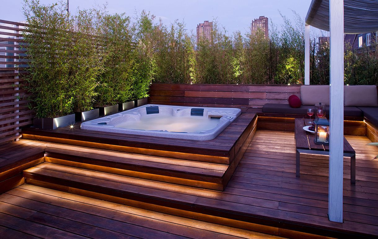 Whirlpool Dachterrasse Transform An Existing Terrace Into A Spectacular Entertaining Space. Wooden Decking With Integral Seati… | Whirlpool Hinterhof, Whirlpool Terrasse, Whirlpool Garten