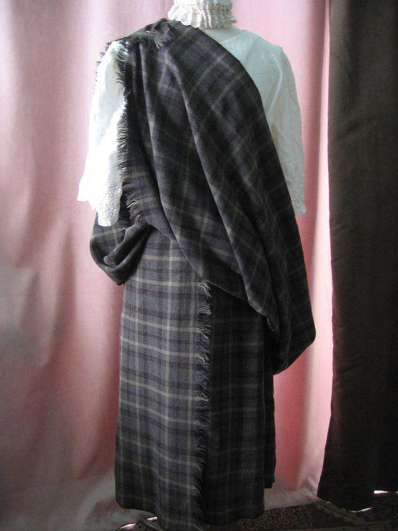 Grand Kilt vêtement Vintage Arisaid Clan écossais laine Tartan Plaid  Earasaid traditionnel châle Highland Kilt Cap Renaissance Faire femme e09664c8aa7