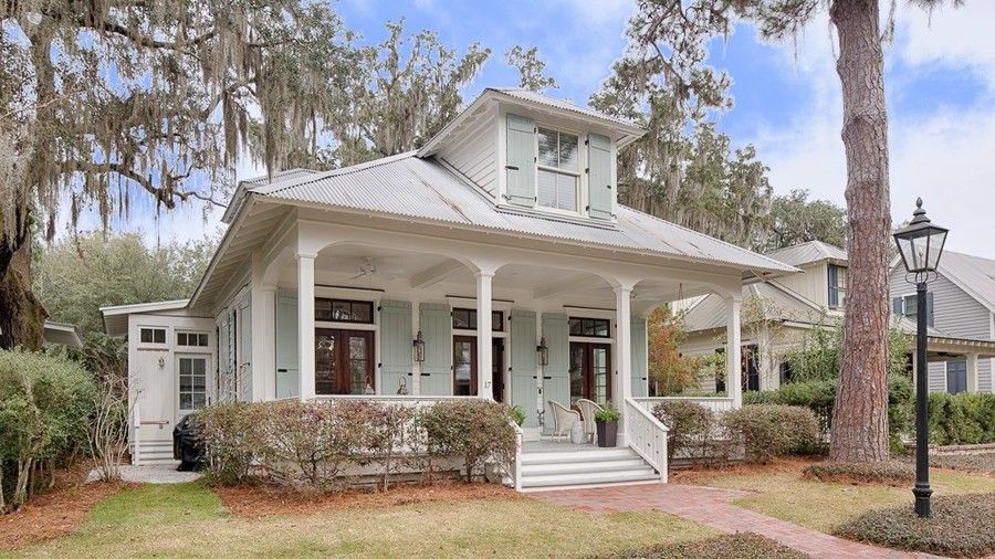 10 Small Town Cottages We D Love To Call Home Cottage House