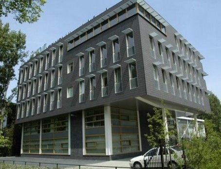 Huurbieding start wederom in Delft met een bedrijfsverzamelgebouw. U kunt al huren vanaf 40 m2 in dit moderne pand. Huren? Plaats een bieding of vraag een bezichtiging aan en kom direct in contact met de eigenaar.    http://www.huurbieding.nl/huur/kantoorpanden/1-00695/delft/kleveringweg-20.html  #Delft #tehuur #kantoorruimte #huren #deelverhuur #ondernemers #vastgoed #mkb #Nederland