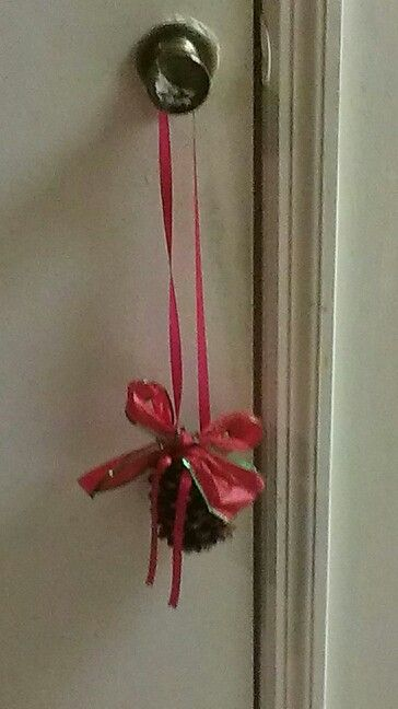 Christmas Ribbon Pine Cone