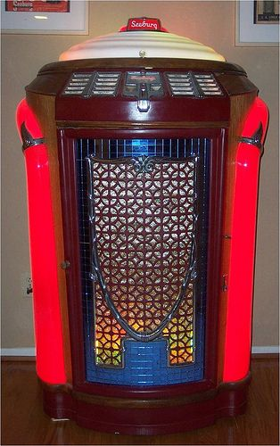 "1946 Seeburg ""Trashcan"" Jukebox. #vintageaudio http://www.pinterest.com/TheHitman14/ghosts-of-audios-past/"
