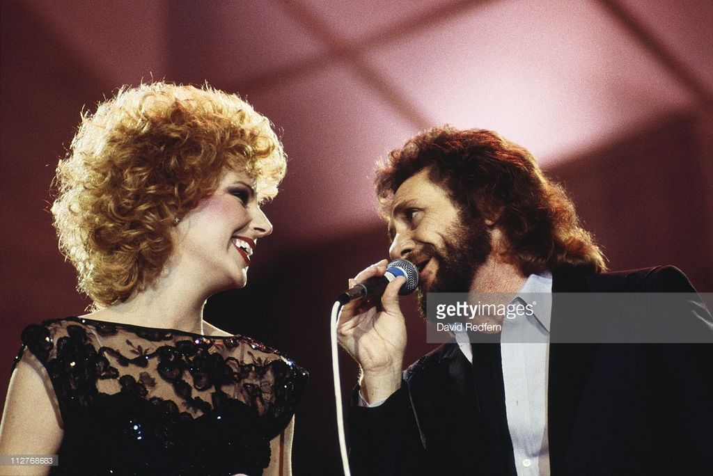 Singer Shelly West   Shelly West, U.S. country music singer, peforming a duet with U.S ...