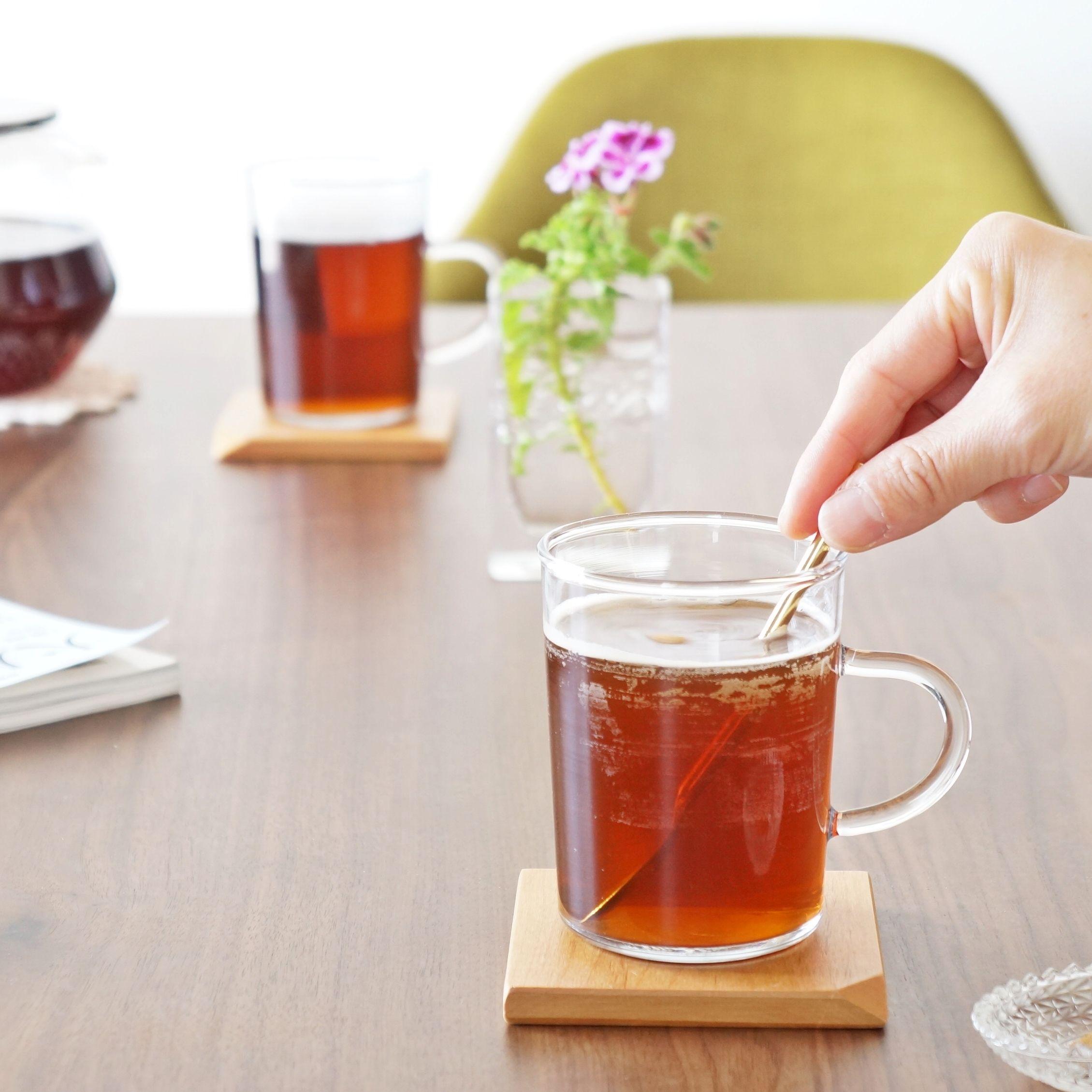 手軽に本格的な美味しさが愉しめる インスタント黒烏龍茶 ダイエットを意識される方にもオススメです