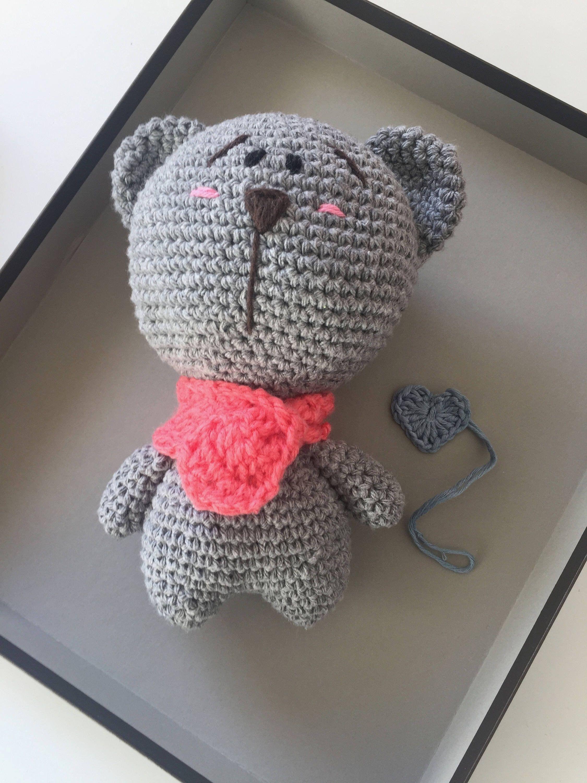Pretty Amigurumi kawaii to crochet. A gray teddy bear
