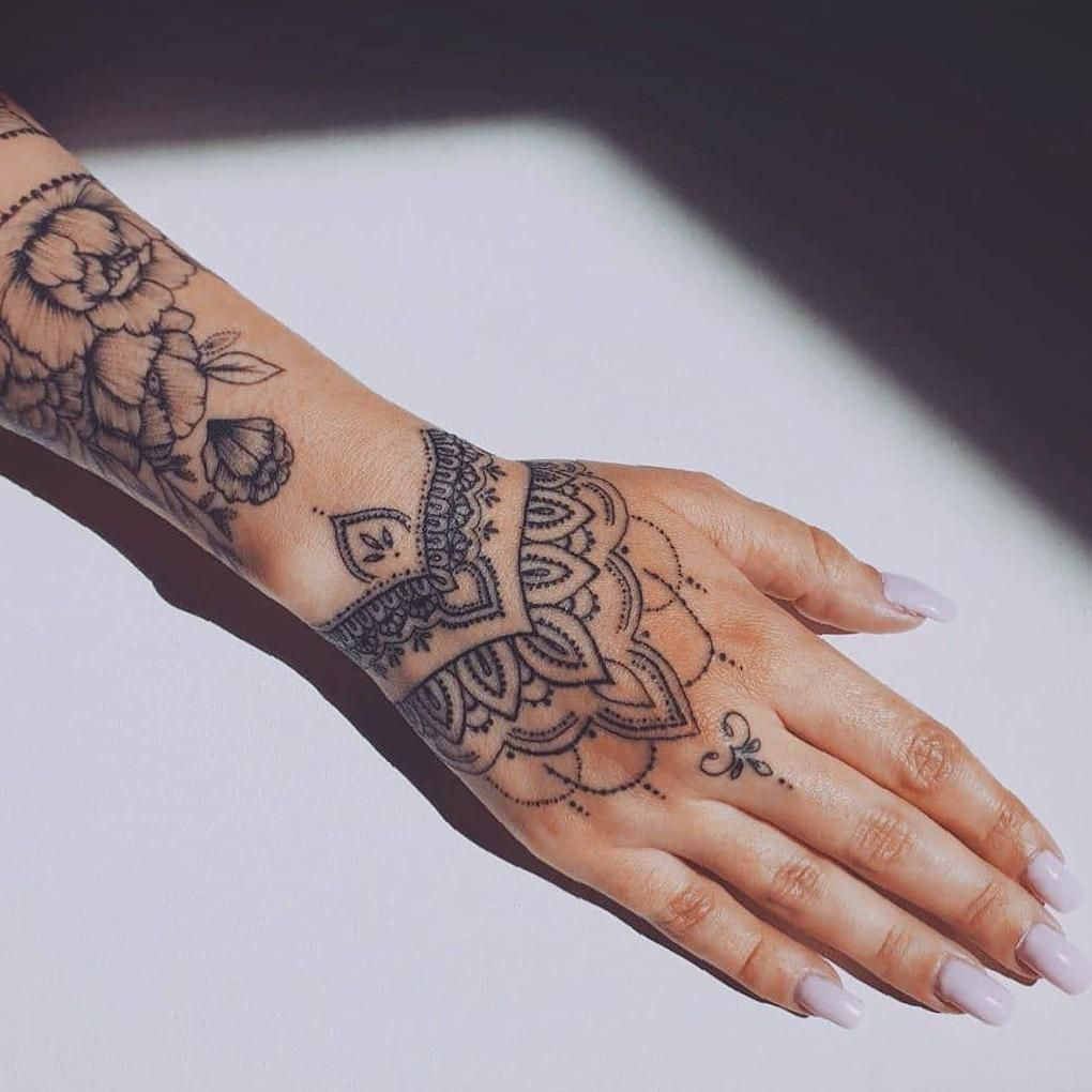 35 Inspiring Arm Tattoo Design Ideas For Women 2020 Sooshell Simple Arm Tattoos Henna Arm Tattoo Lace Sleeve Tattoos
