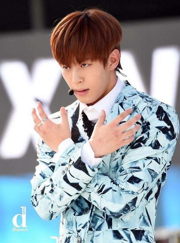 Netizens Offer Constructive Criticism For Bad K Pop Idol Singers Koreaboo Singer Vixx Hongbin Vixx