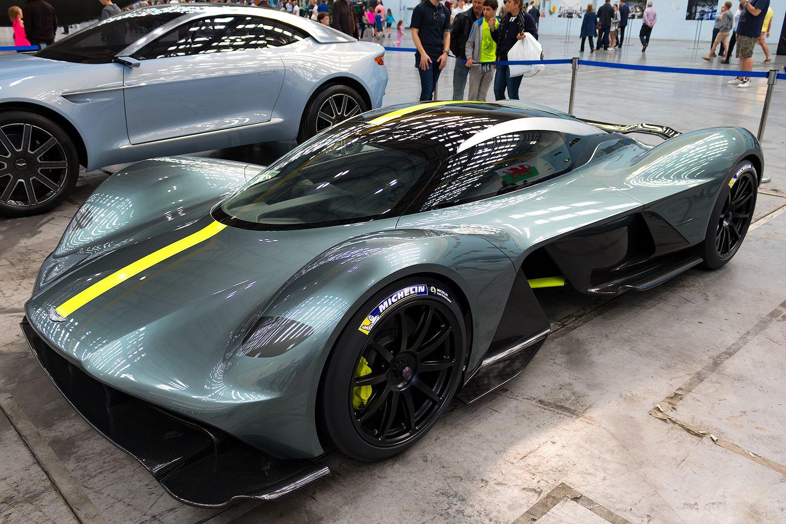 Aston martin valkyrie 1 000kg 1 000hp car photos pinterest aston martin automotive design and car photos