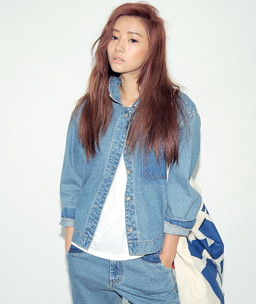 c0fe0bf09be STYLENANDA  ONE POCKET TWO-TONE COLLARED DENIM JACKET