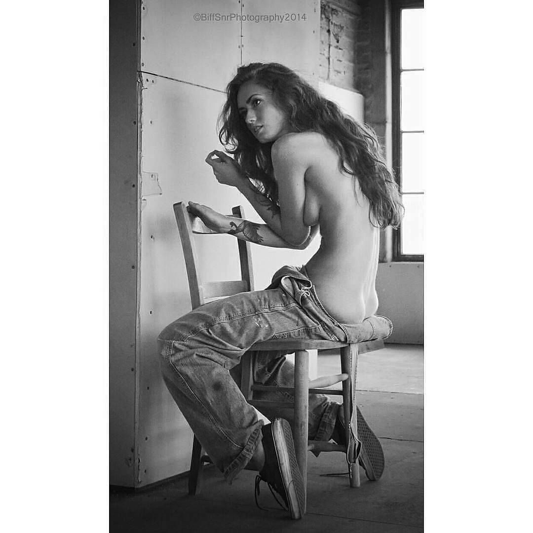 Sideboobs Suzanne Kaaren nudes (17 pics) Feet, 2018, bra