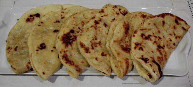 Il Naan e' un tipo di pane lievitato, uno dei piu' conosciuti in India. Molto diffuso nei paesi arabi e' un pane che possiede molte variant...