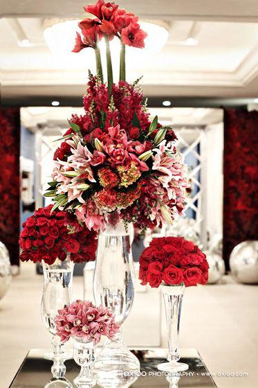 Gorgeous Modern Holiday Tablescape Boda Color Vino