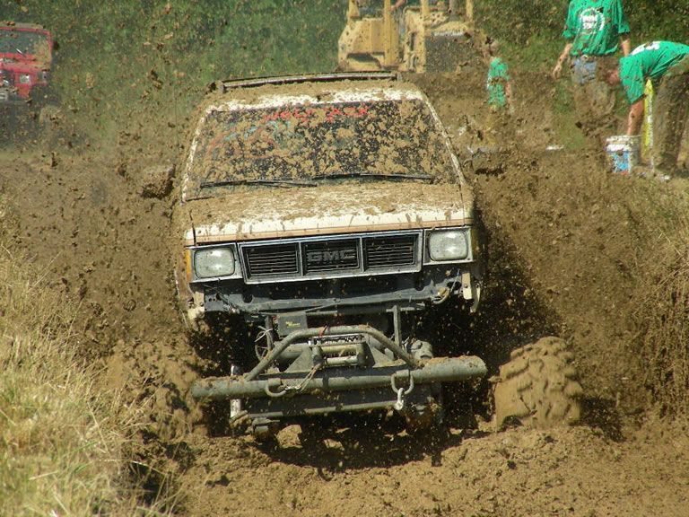 ULTIMATE MUD TRUCKS OF THE SOUTH - PART 4!! RED RIVER MUD BOG ...