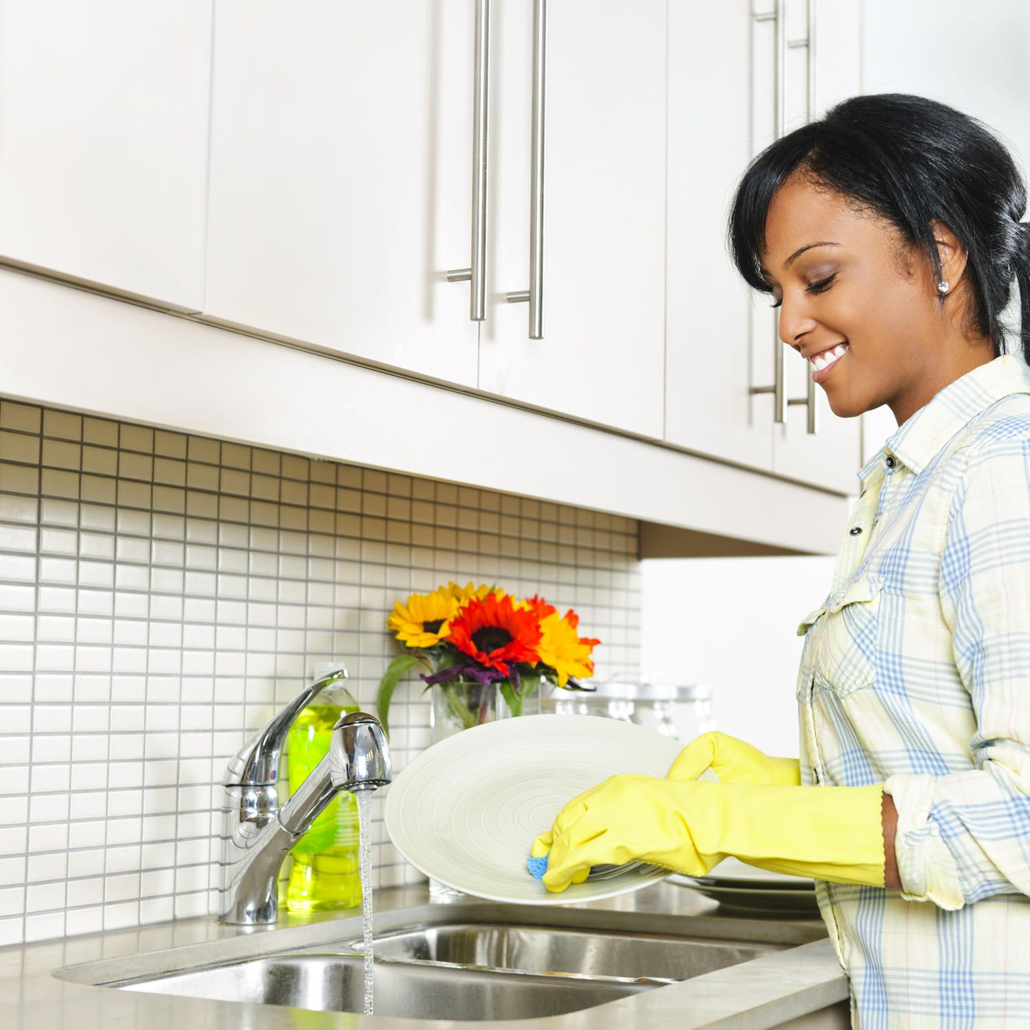Make Your Manicure Last Clean house, Domestic cleaners
