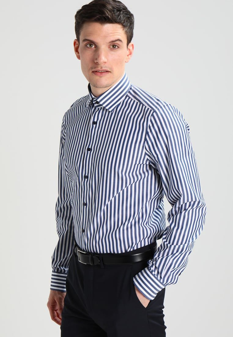 Stylish Or Reputable Looks With A Body Fit Shirt In 2020 Shirts Workout Shirts Gents T Shirts