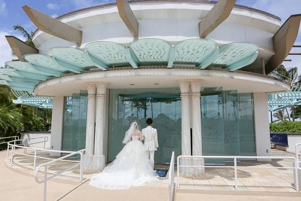 オアフ島 コオリナ チャペル アクア マリーナ で結婚式を挙げました ワタベウェディング 式語 コオリナ チャペル 新婚旅行