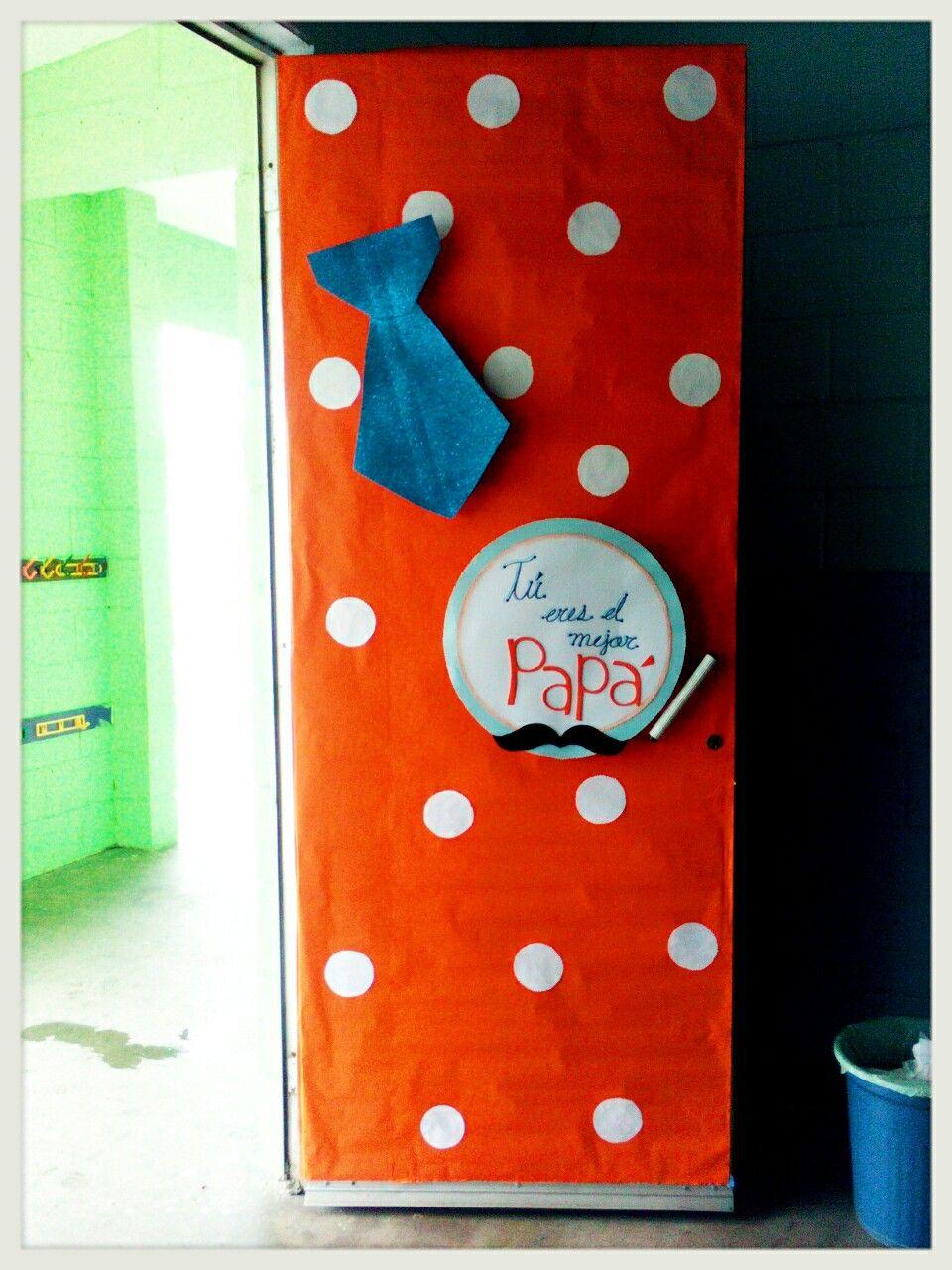 Puerta d a del padre d a del padre puertas de escuela for Puertas decoradas con dinosaurios