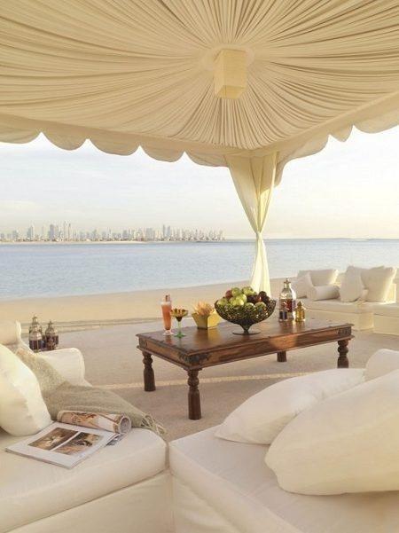 Sand Dunes in the City: Dubai's Architectural Boom