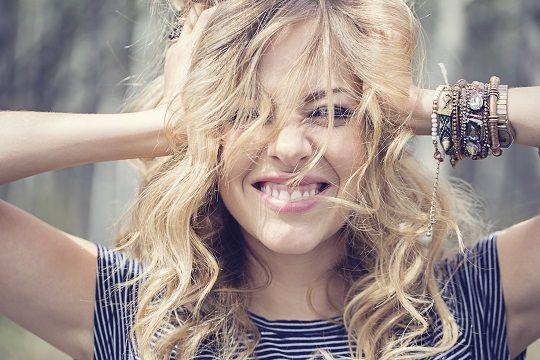 Actress/Singer MacKenzie Porter Is on AMCs Hell on Wheels