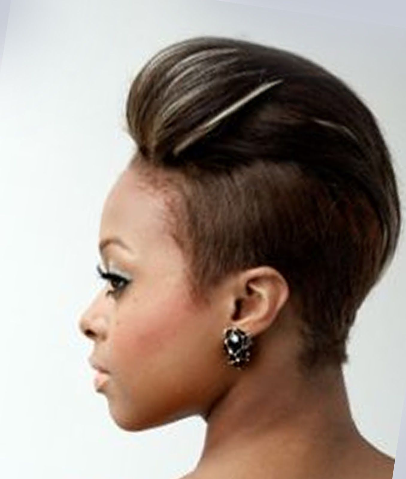 Short Mohawk Hairstyles For Black Women 32