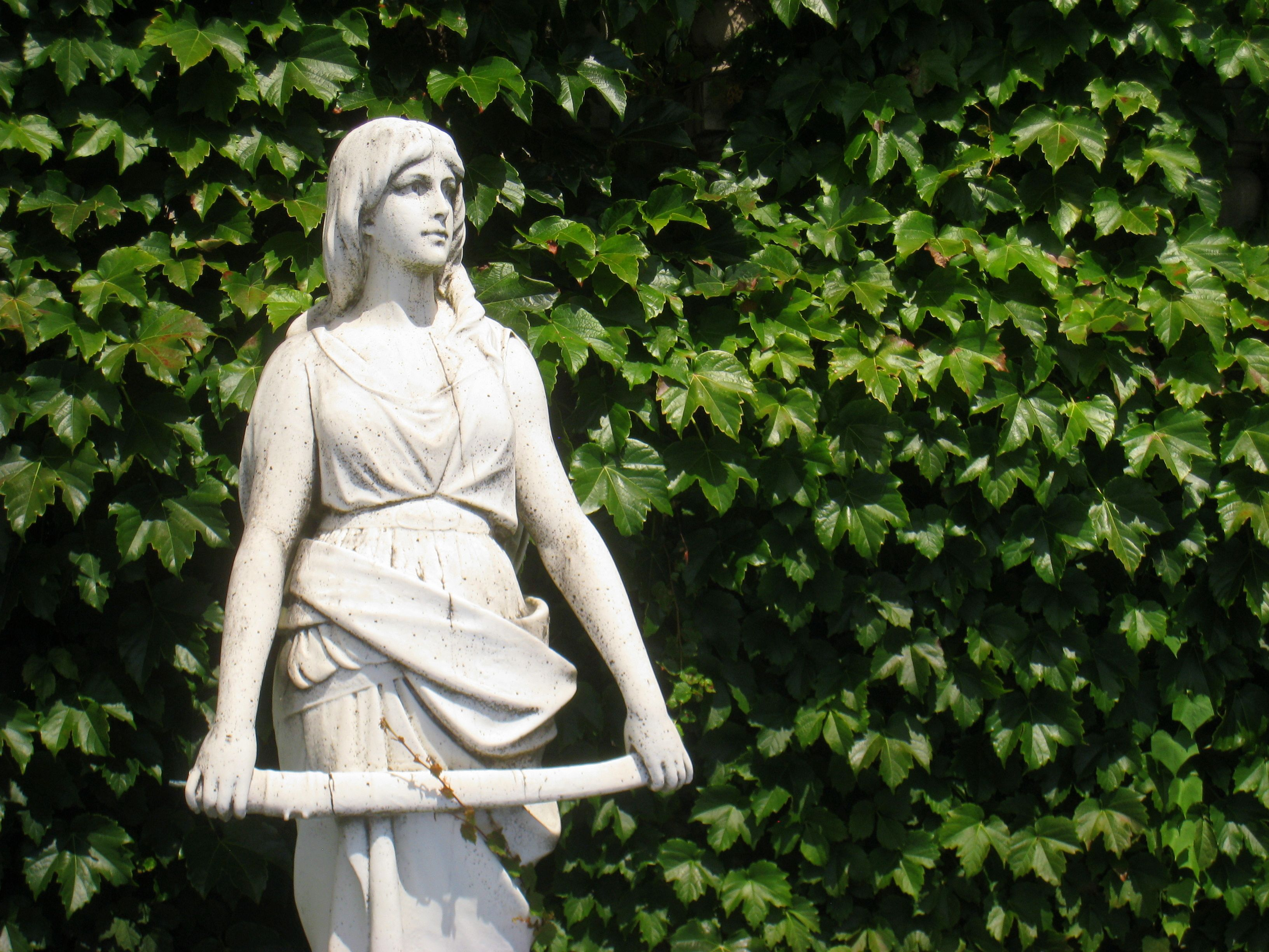 University of Tennessee Garden Statue Beautify the yard